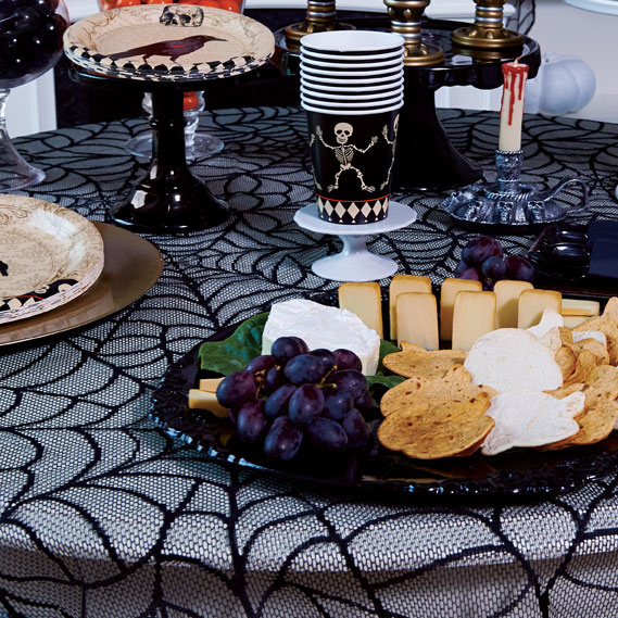 10-halloween-decorating-ideas---table