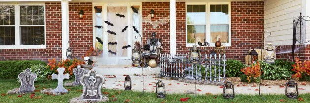 Halloween Decorating Ideas: Taking Eerie Elegance Outside