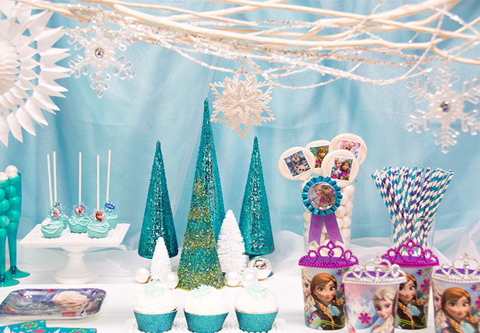 are you going to be hosting a halloween party for your kids this year what was the best halloween party theme youve ever seen and whats your favorite - Frozen Halloween Decorations