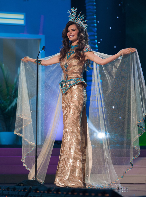 the 10 best costumes from the miss universe 2015 pageant - Universe Halloween Costume