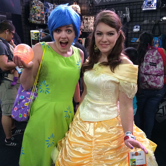 comic-con-joy-and-belle