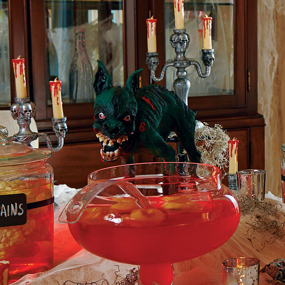Halloween decorating ideas haunted house halloween for Spooky haunted house ideas